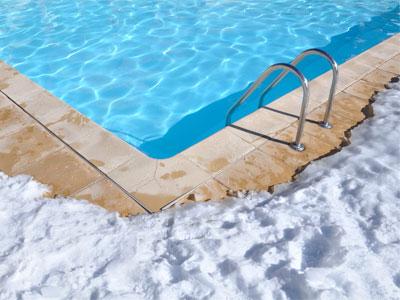 Tout pour réussir l'hivernage de votre piscine